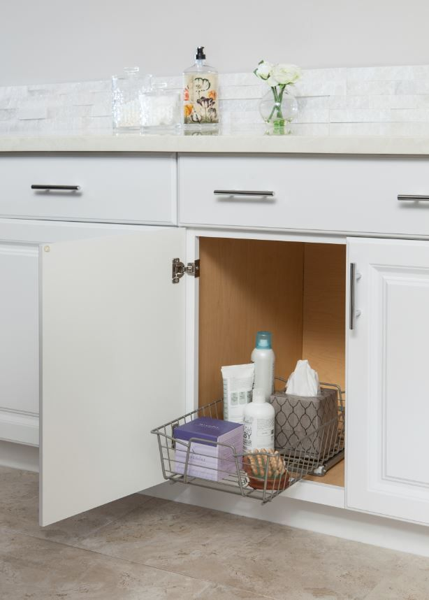 Elegant Cabinet with Pull Out Table