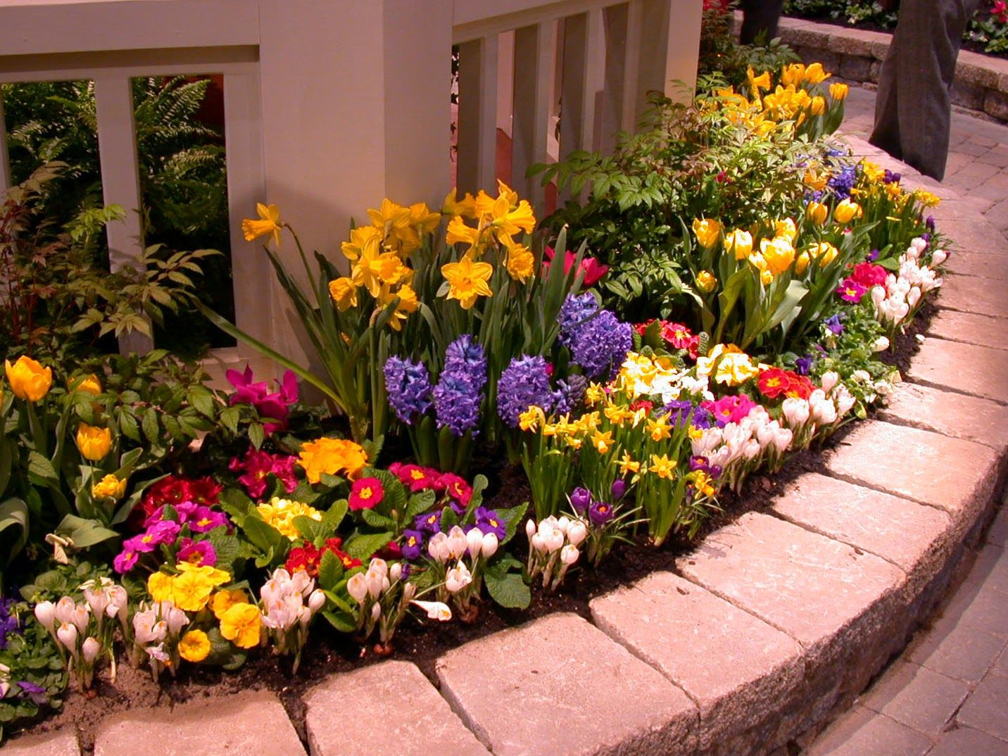 Ideas for making a raised flower bed | Awesomeness | Pinterest | Flower