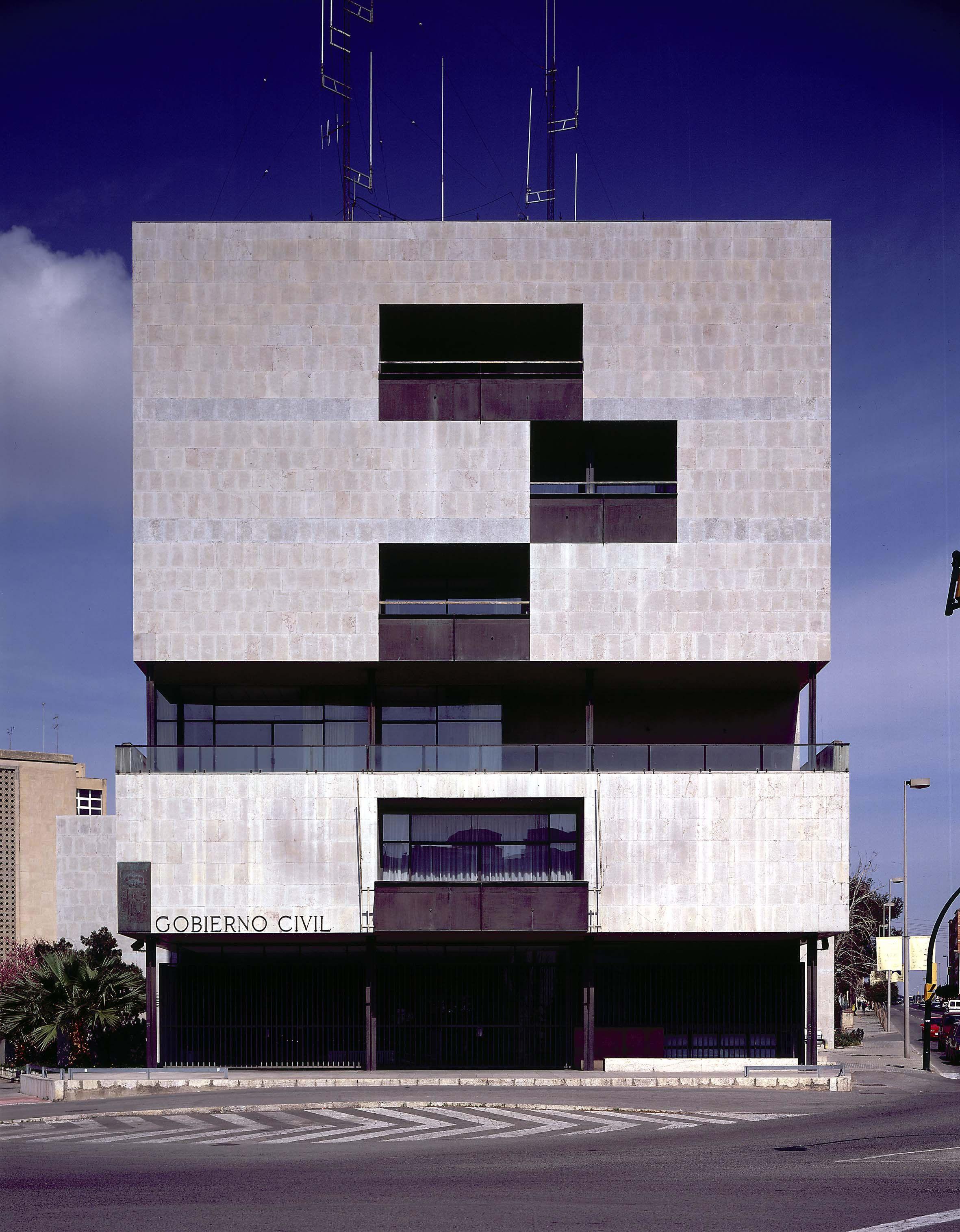Gobierno Civil de Tarragona 1957 1964 © Fundaci³n Alejandro de la Sota architecture Pinterest