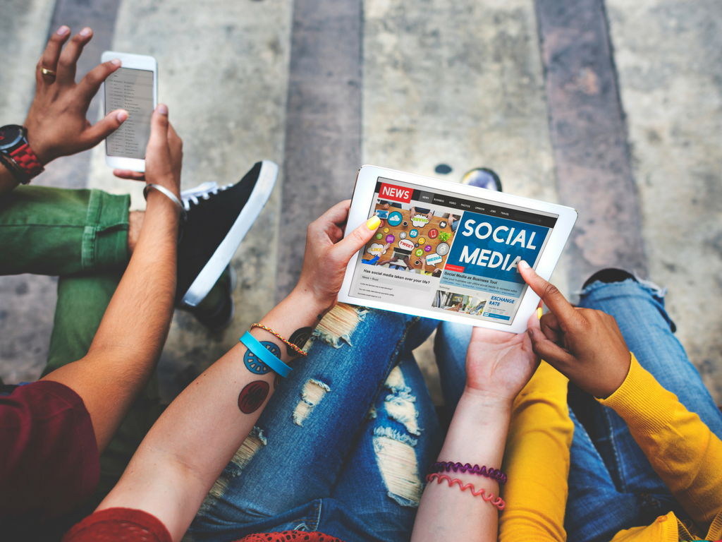 All in one social platforms: One Tool to Rule Them All?