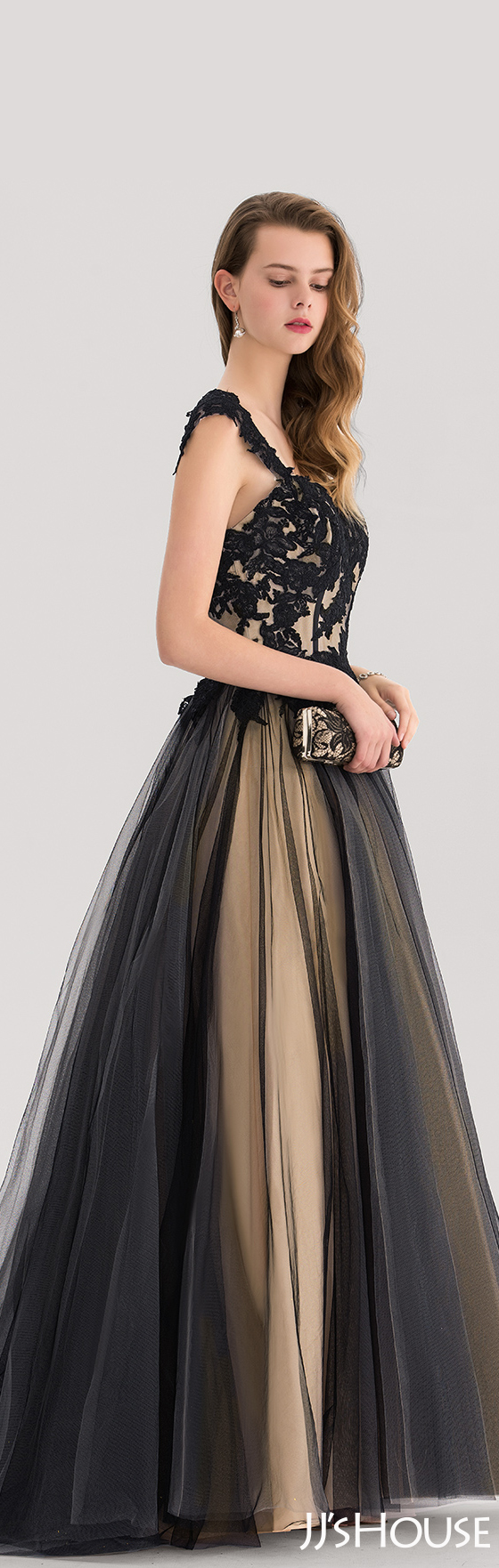 Ballgown sweetheart sweep train tulle prom dresses