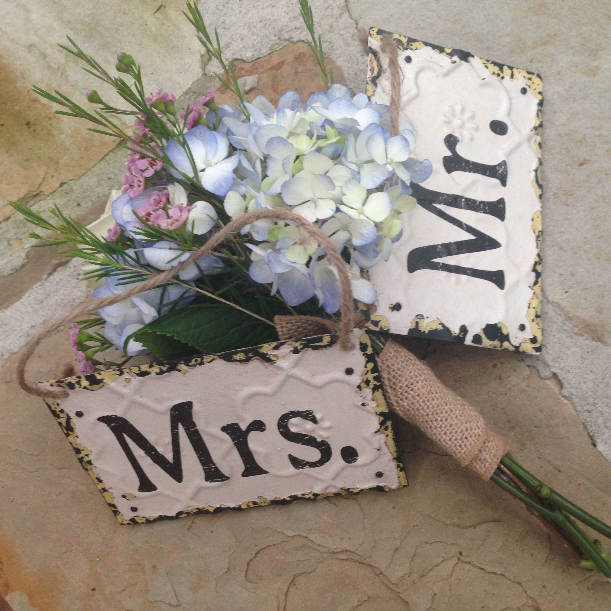 Altrud State sells these adorable sigbs  Itus a PARTY  Pinterest
