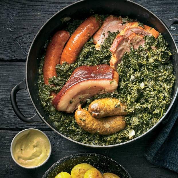 Photo of Chou frisé avec cou de porc fumé, joue de porc et saucisses