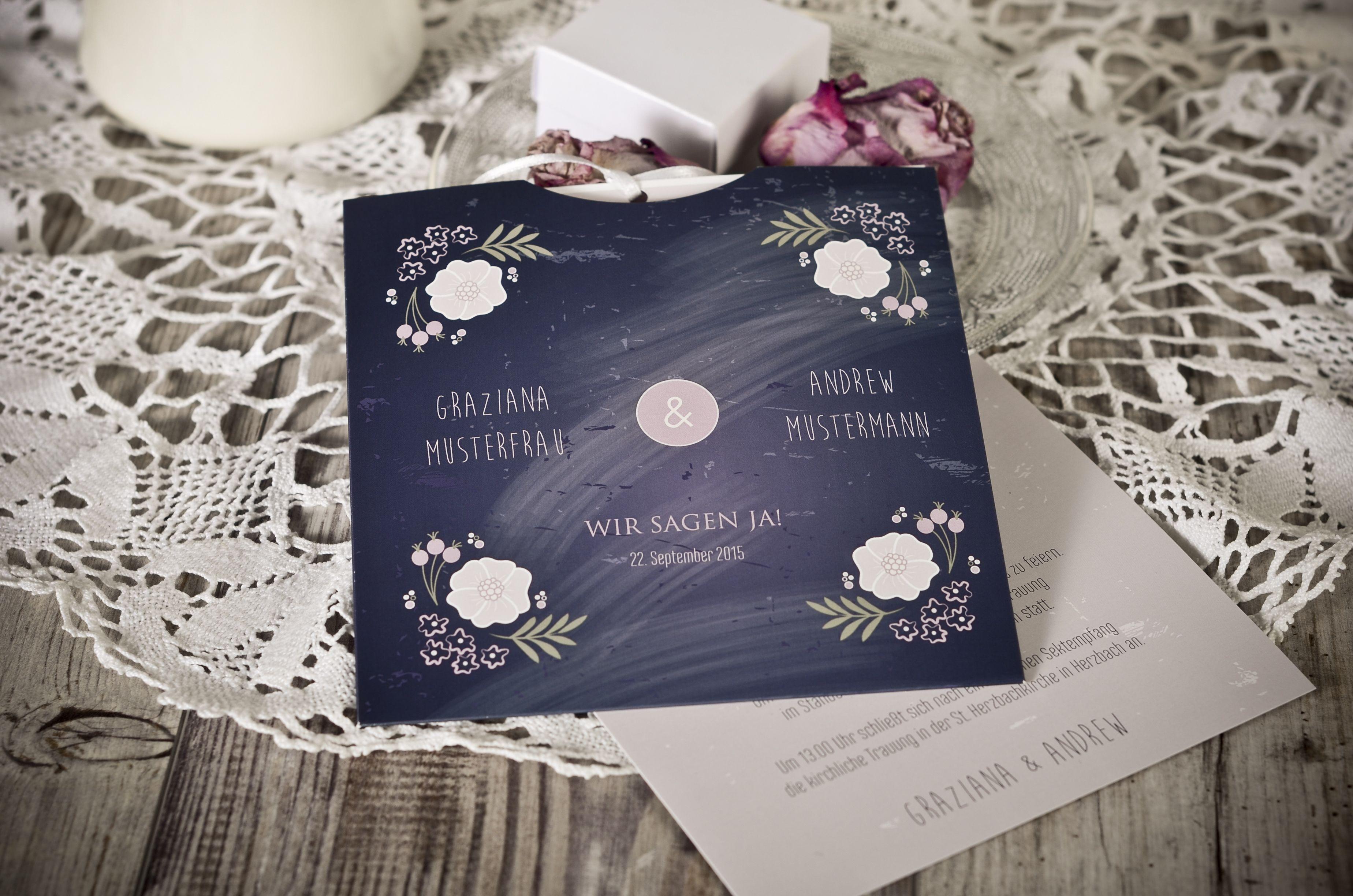 Einladungskarte zur Hochzeit als Klappkarte im natürlichen