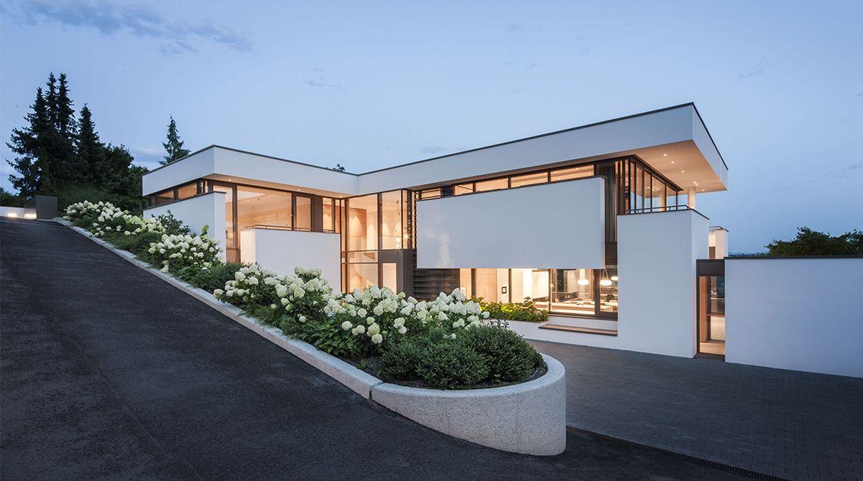 Haus fmb esslingen deutschland architekten bda for Moderne villen deutschland
