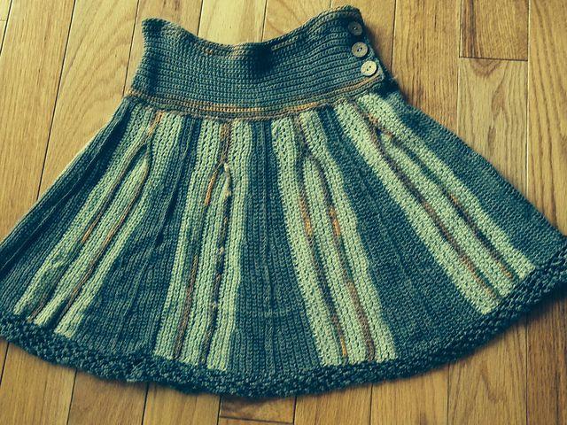 Pretty Pleats Skirt pattern by Annie Modesitt