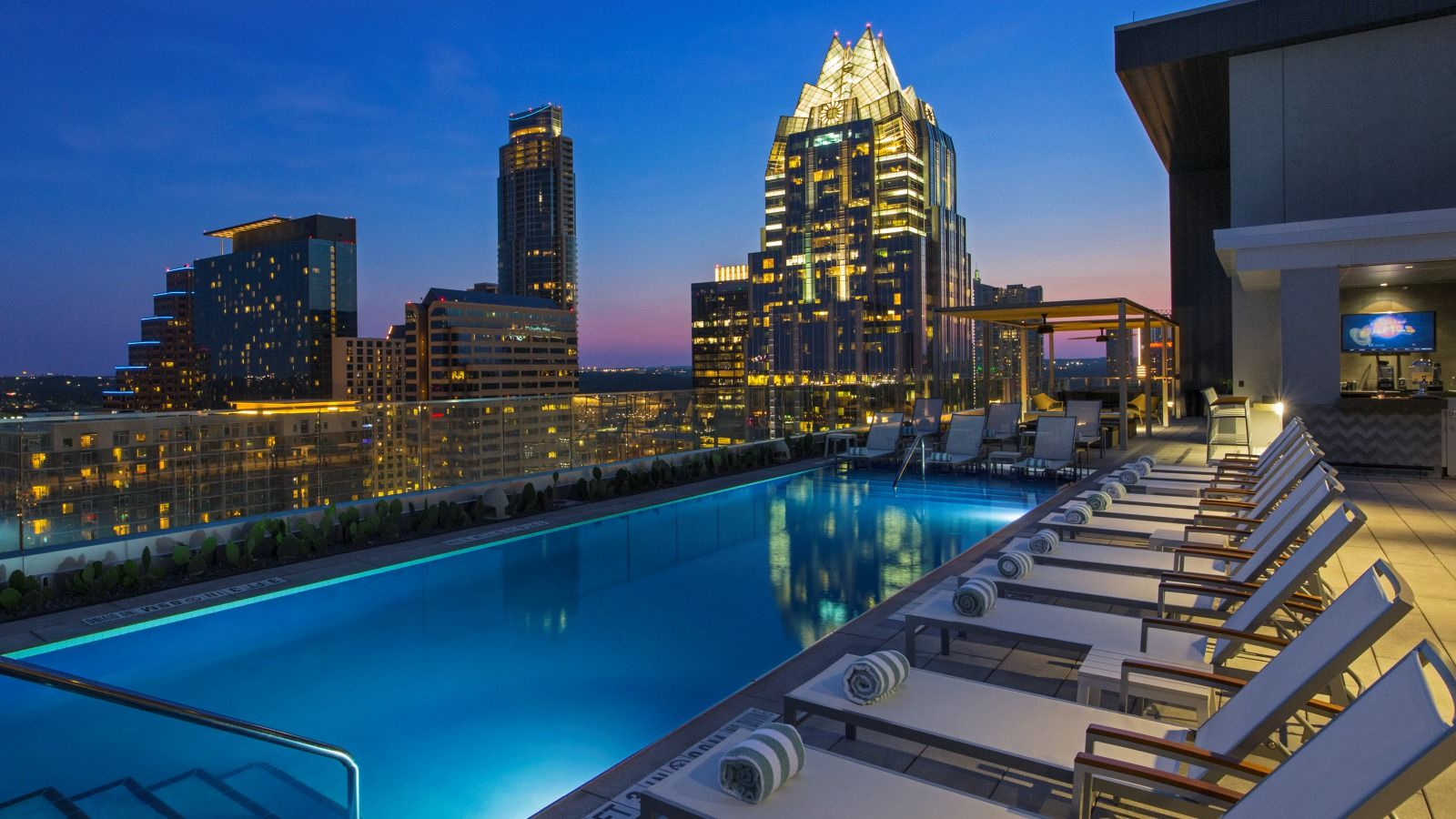 The Westin Austin Downtownlocated In Heart Of World S Live Music Capital Downtown Boasts Highest Hotel Rooftop Pool Town