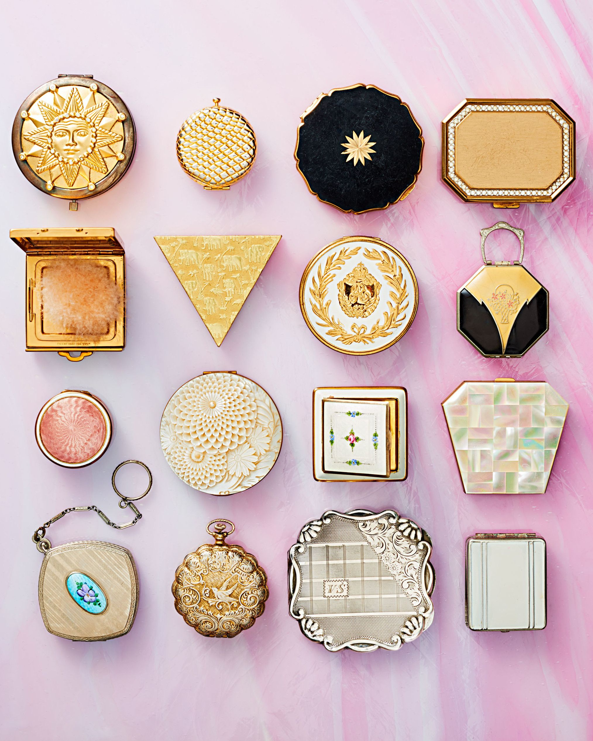 Why We Love Collecting Compact Mirrors Compact mirror