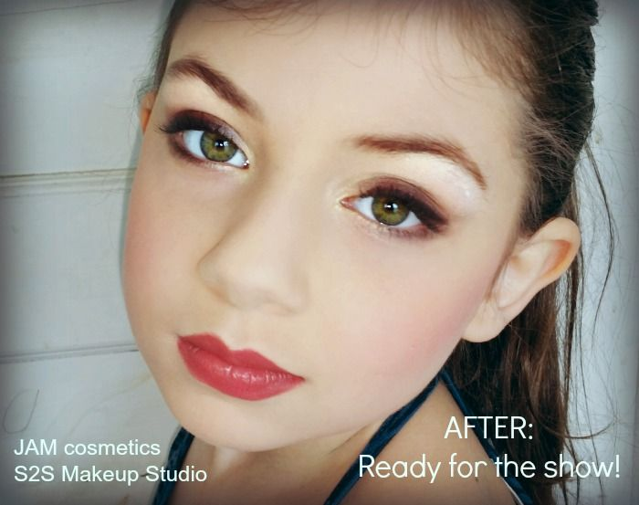 Learn how to do your daughter\u0027s dance recital makeup in six