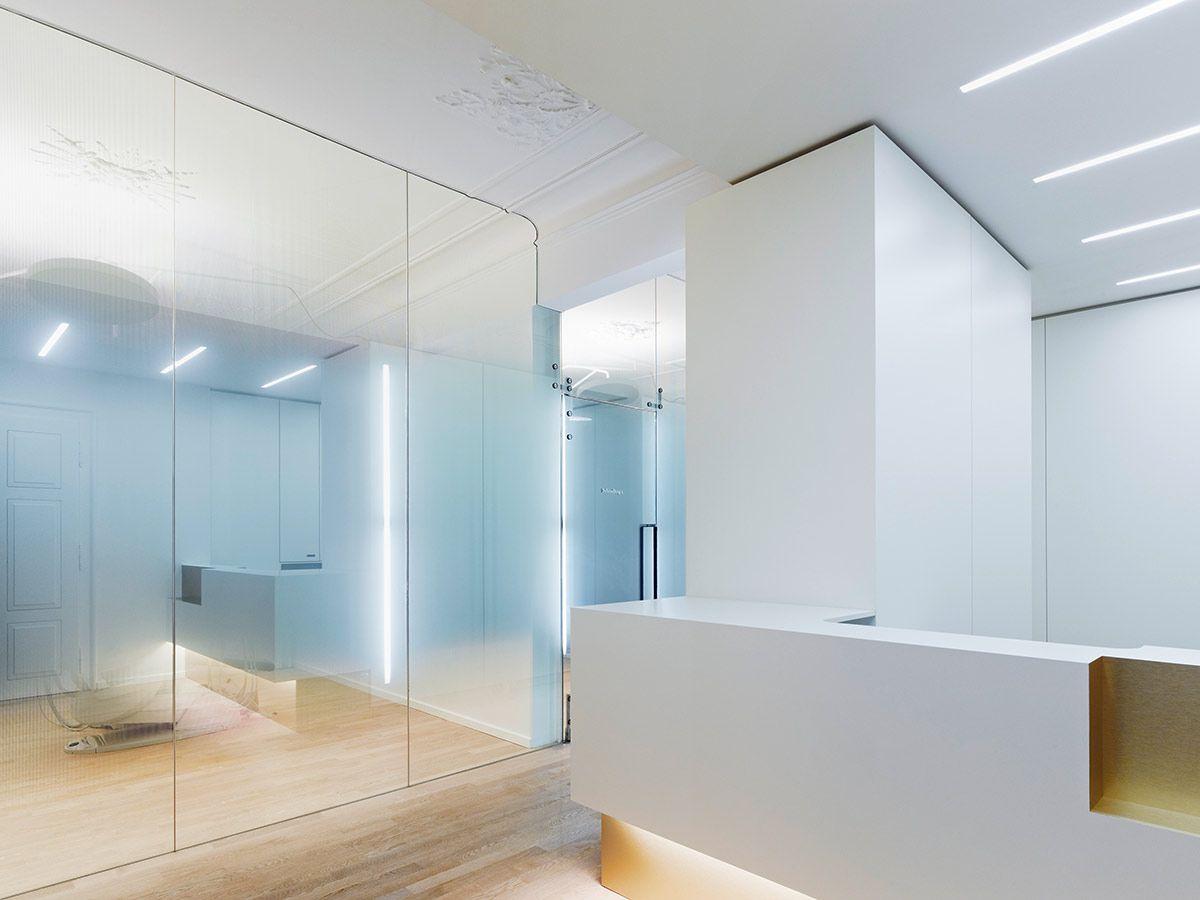 weissraum Dental surgery, Munich. 프로젝트 진행 Ippolito Fleitz Group – Identity Architects, 거울.