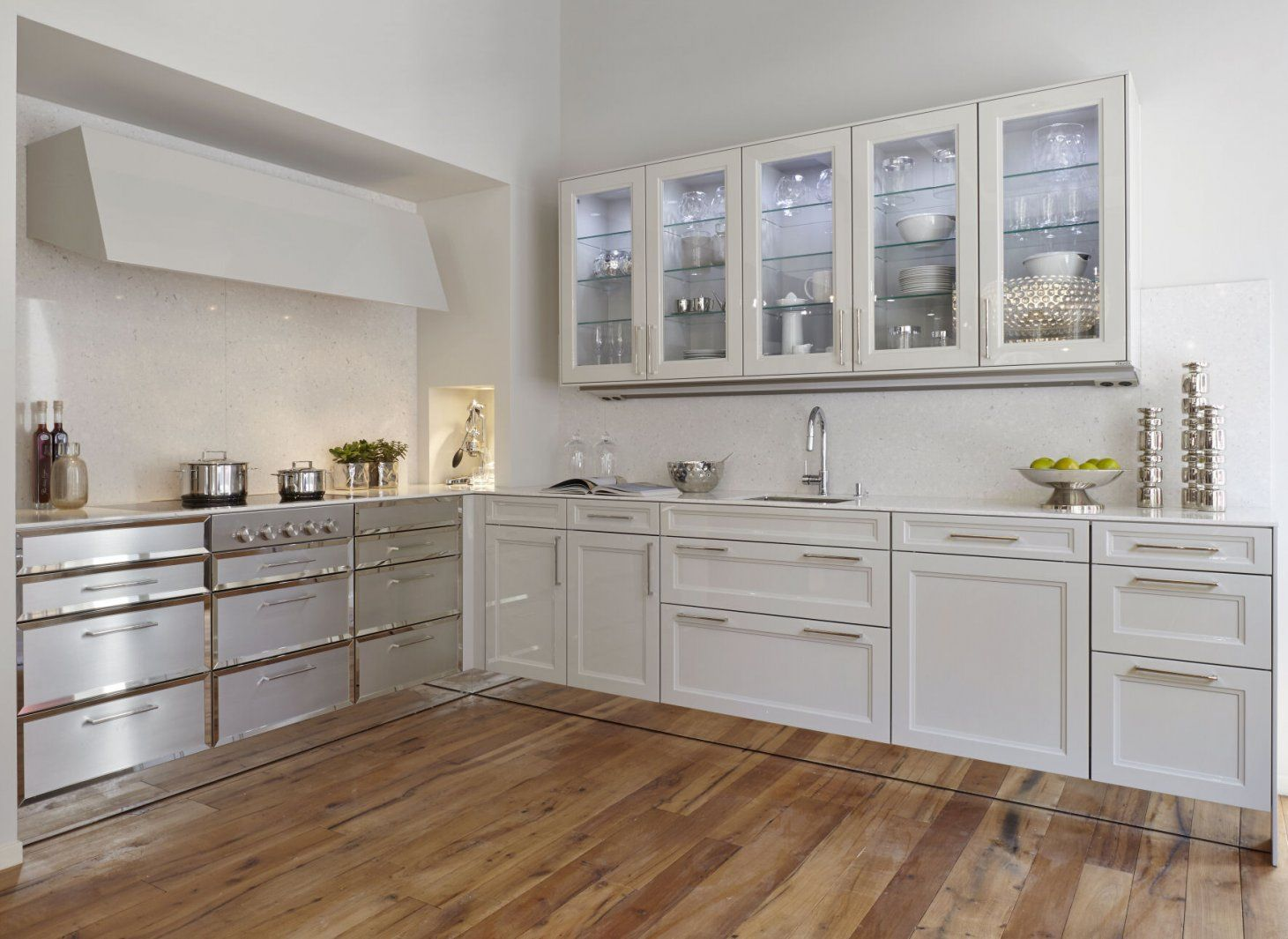White Kitchen Uk Siematic Kitchens In London Uk Nicholas Anthony Simply White