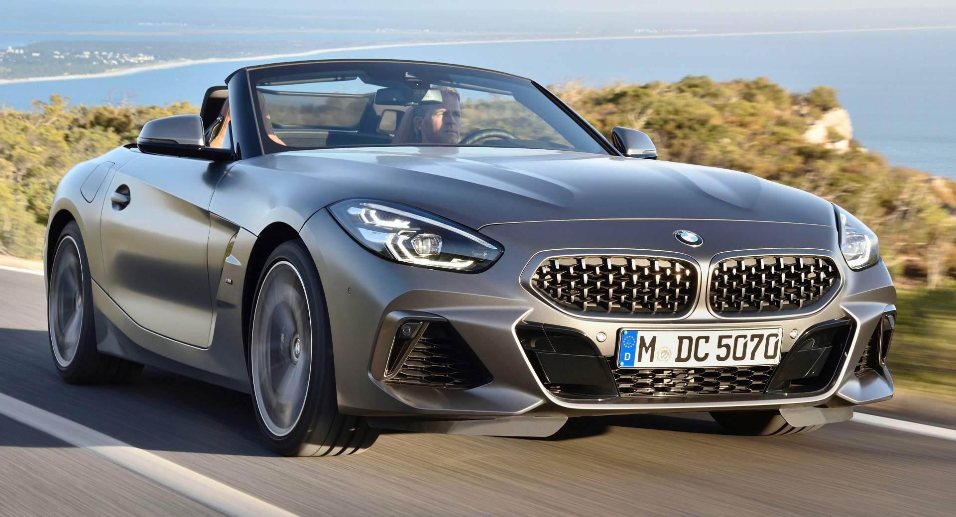 Get A Look At The 2019 Bmw Z4 M40i From Every Angle In 121 Photos Carscoops Bmw Z4 Bmw Bmw Z4 Coupé