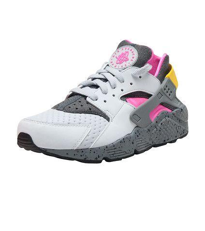 5324ccaddff8 NIKE Air Huarache Run PRM sneaker Low top Men s sneaker Lace up closure  Suede and stretch