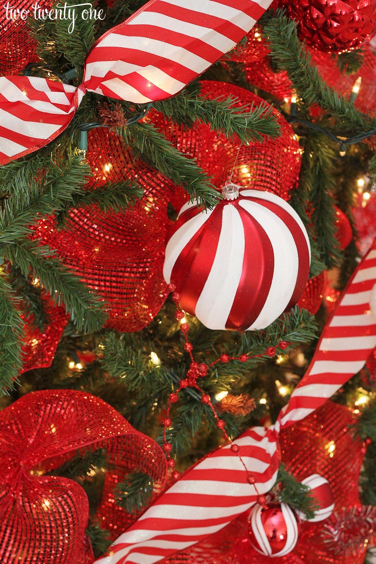 Red & White Christmas Tree Christmas 2016 Home Tours