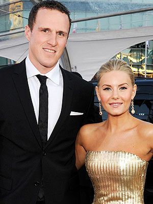 Elisha Cuthbert Wedding.Elisha Cuthbert Marries Hockey Star Dion Phaneuf Hockey Hunks