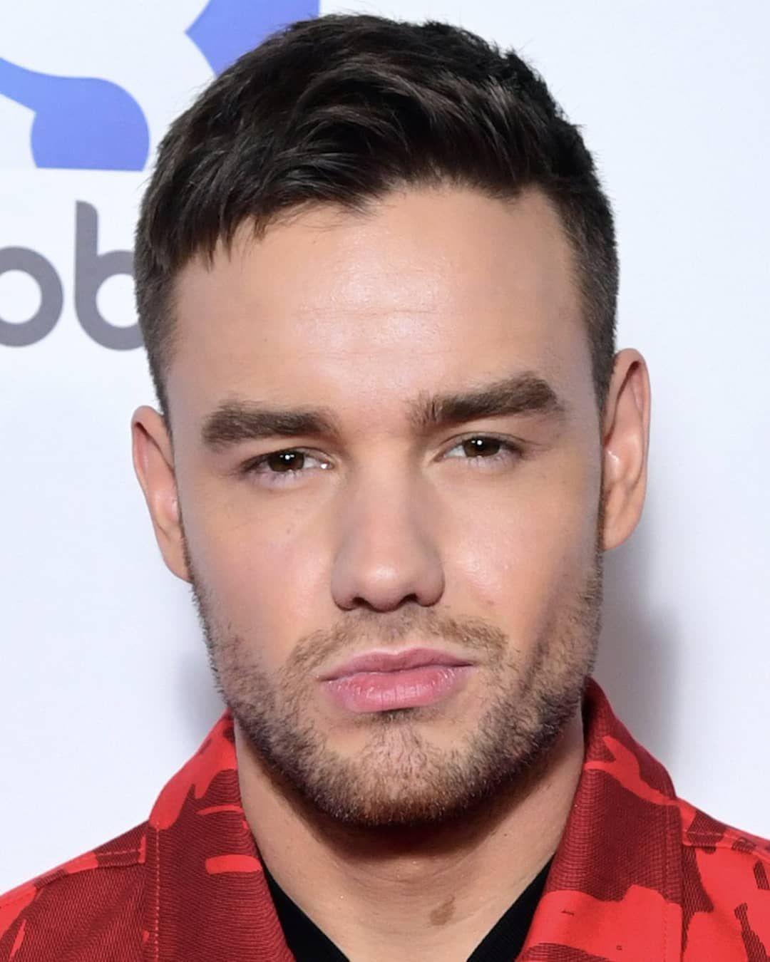 Look At This Handsome Man Liamdeservestheworld Alliwantforchristmas Lp1 Stackitup Familiar Stripthatdown Foryou Liam Payne Liam James Handsome Men
