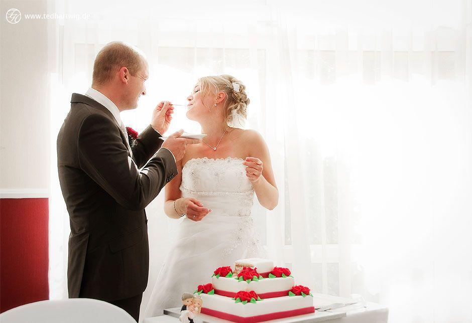 Auch dieser Moment ist kurz. Aber ich weiß, wann es passiert. Das #Anschneiden der #Hochzeitstorte.