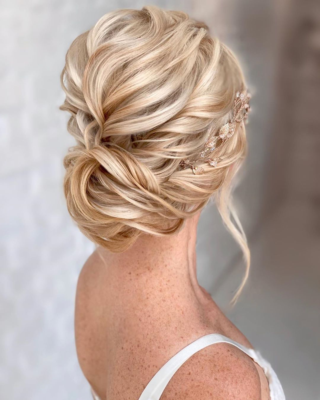 Kasia Fortuna On Instagram I M In New Zealand With Kristinagasperasacademy Teaching A Group Of Pro Hai In 2020 Beautiful Bridal Hair Queen Hair Hair Extensions Best