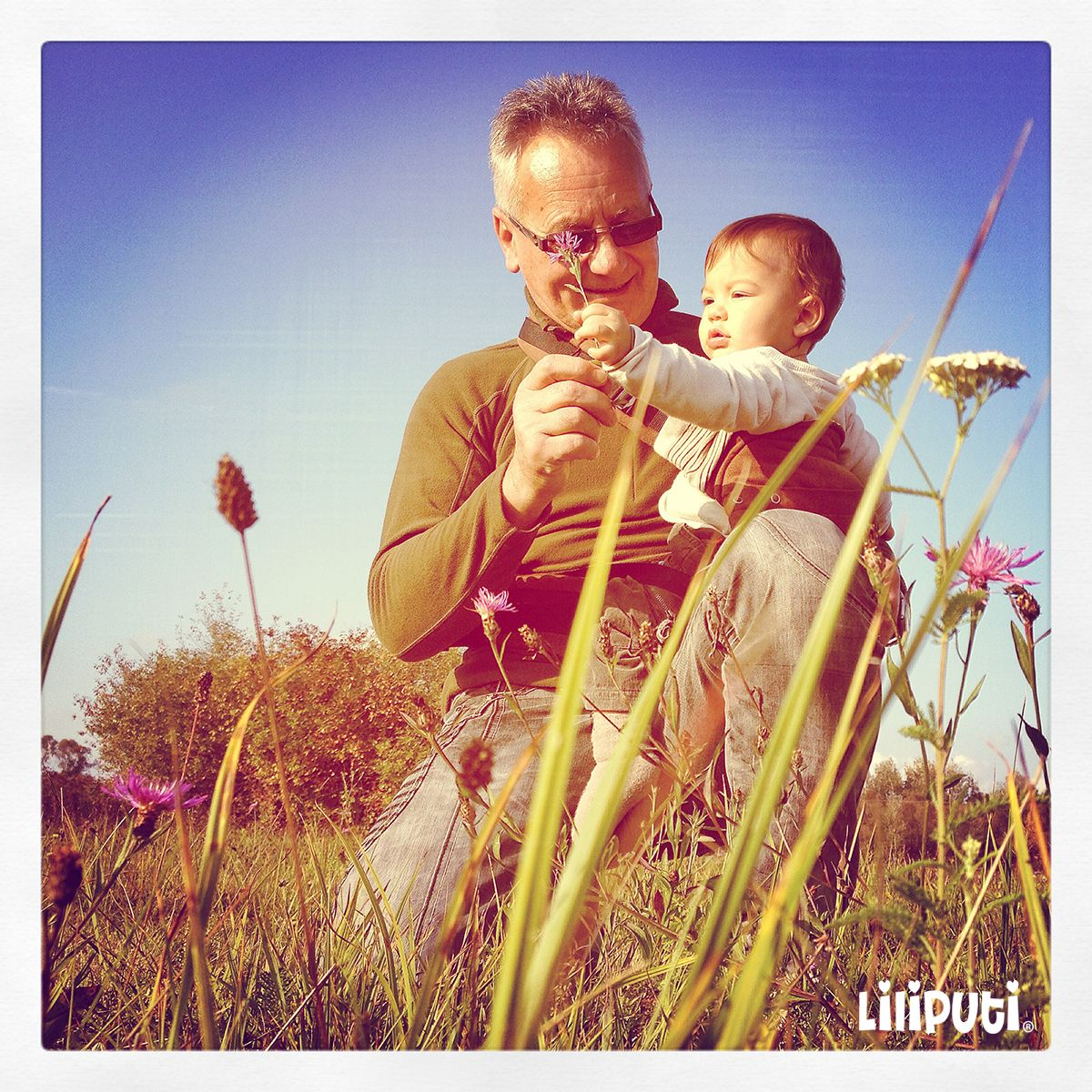 Grandpa Loves Babywearing  #babywearing #grandfather #liliputistlye #ssc