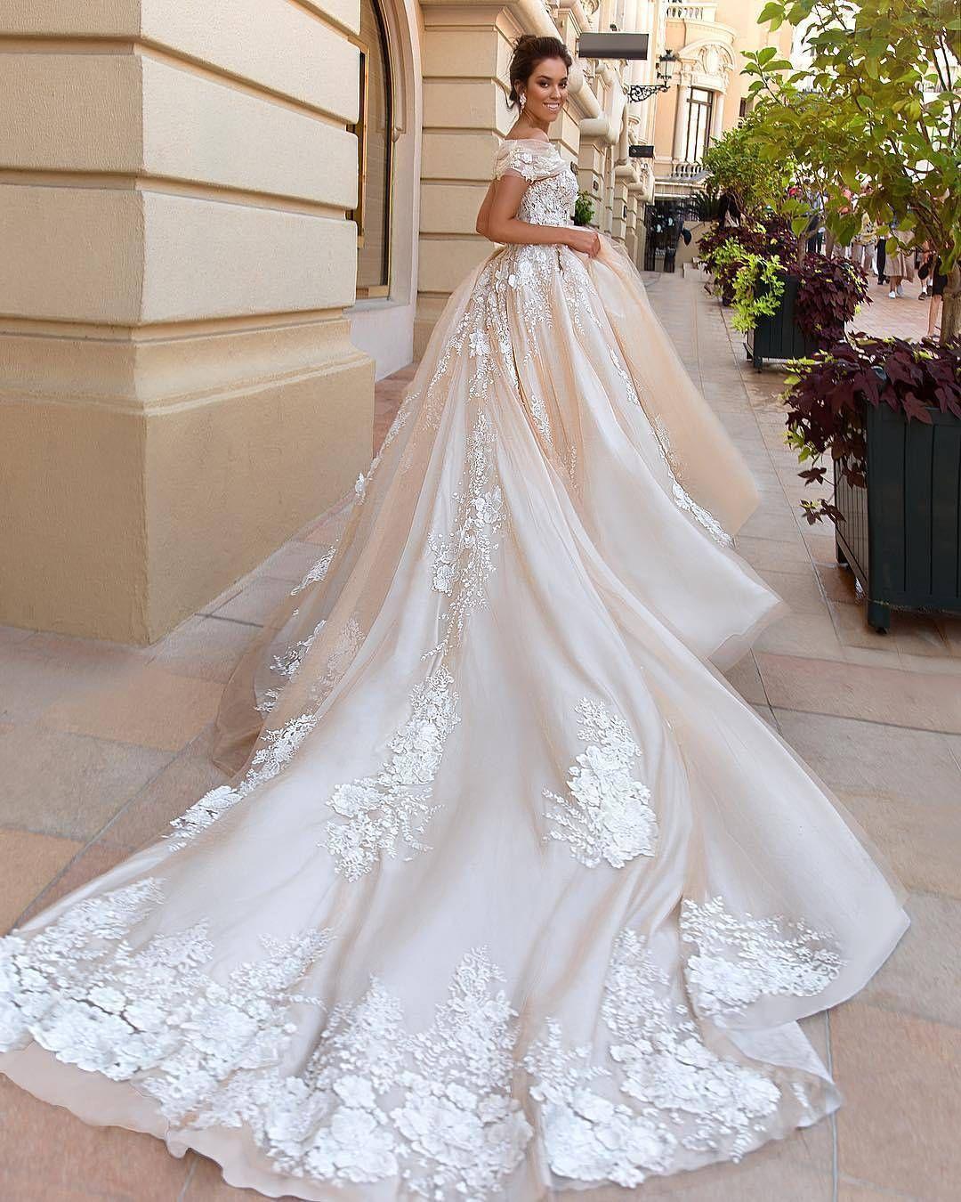 Hochzeitskleid Instagram – Valentins Day  Hochzeitskleid, Kleider