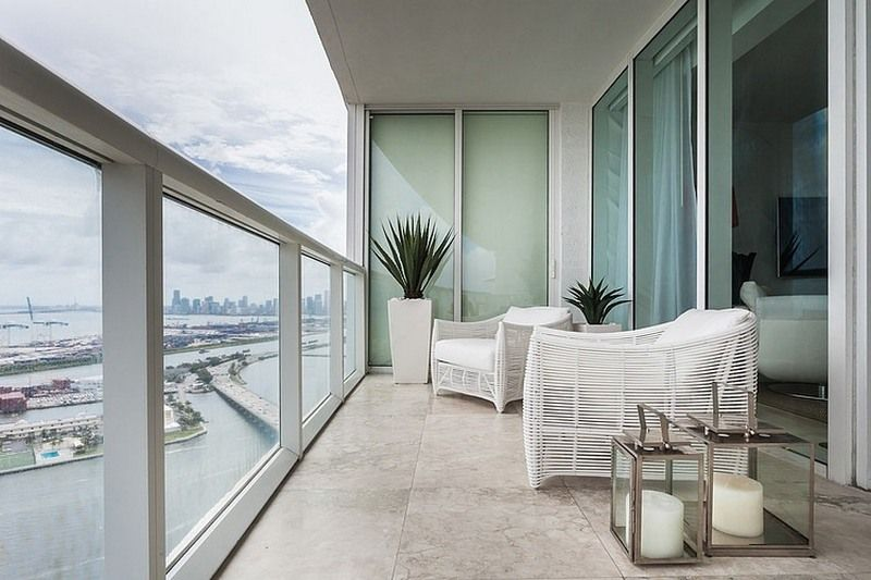 Modern Balconies Interior Design Ideas White Finished Loggia With The Glass Fence Balcony Design Balcony Decor Condominium Interior Design
