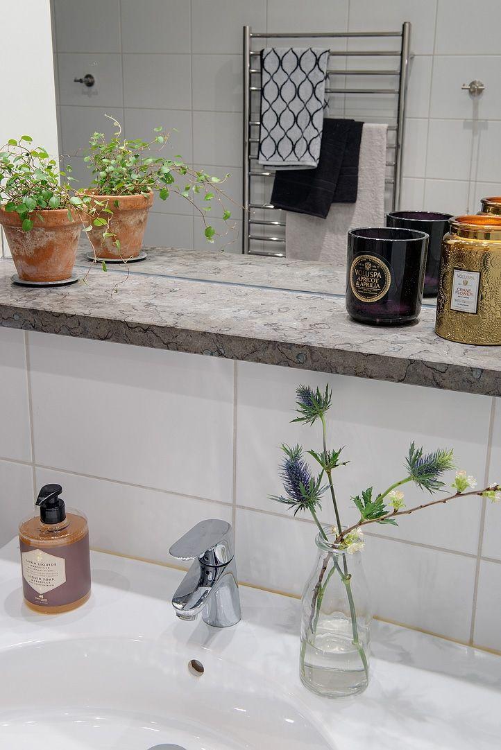 Ático loft sueco con lavandería en el cuarto de baño ...