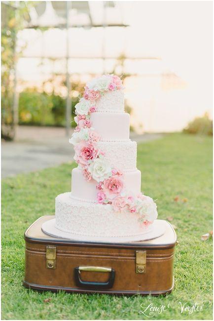 Hochzeitstorte Mit Dekorationen Auf Der Torte Jede 2