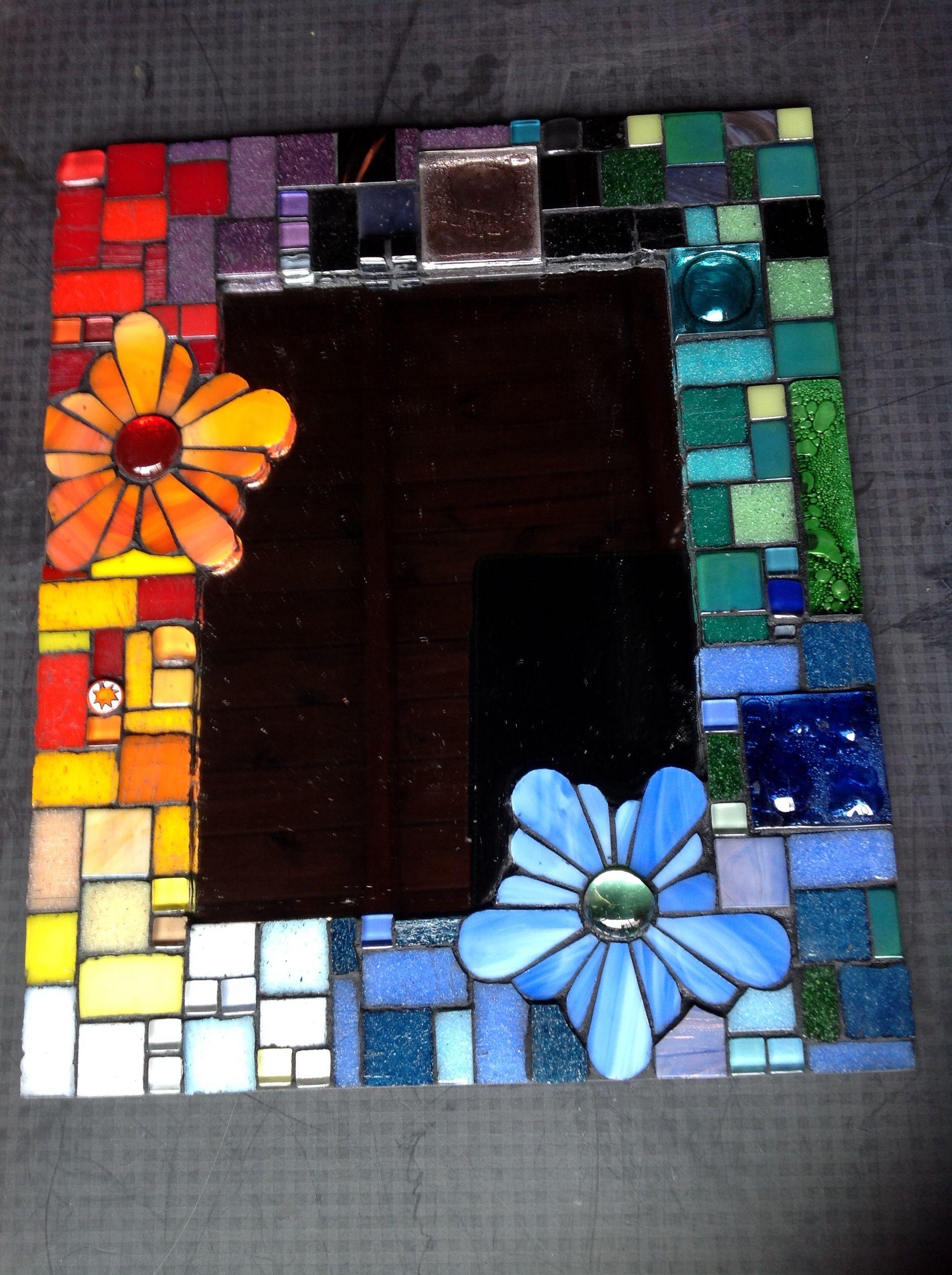 Vidrio sobre espejo. Vidrio, venecitas y gemas. | mosaiquismo ...