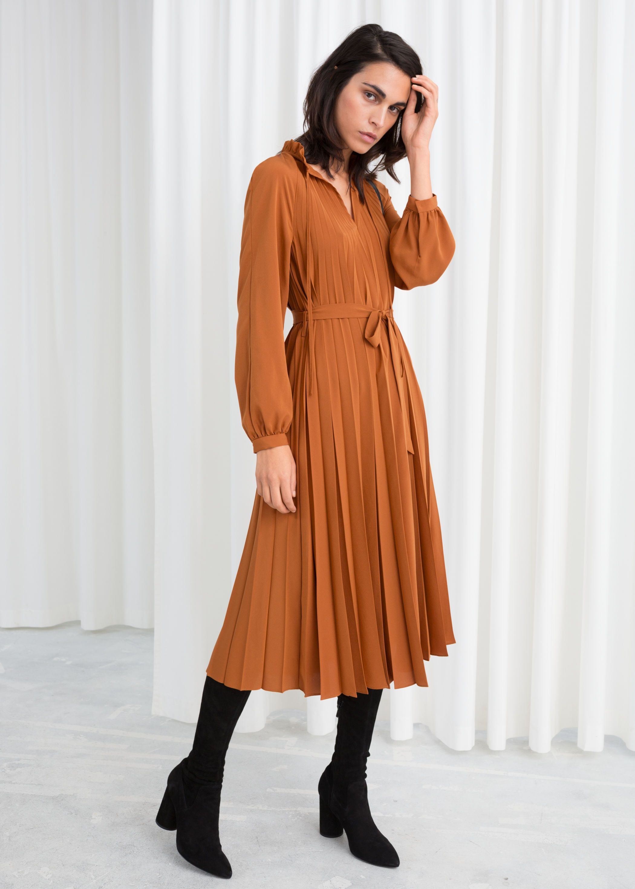 18 Long Sleeve Midi Dresses For Your Winter Wardrobe Consideration Pleated Midi Dress Midi Dress Winter Fashion [ 2940 x 2100 Pixel ]