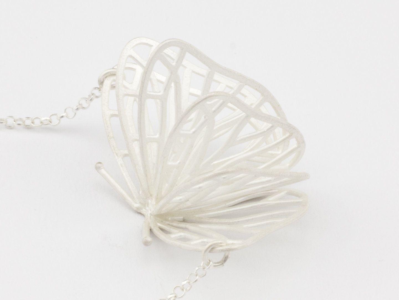 Silberhalskette Schmetterlingstanz