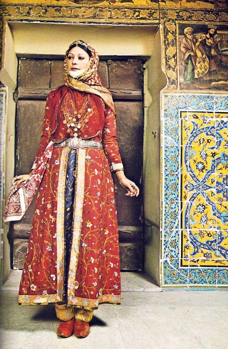 Costume of an urban woman of New Julfa (Isphahan)