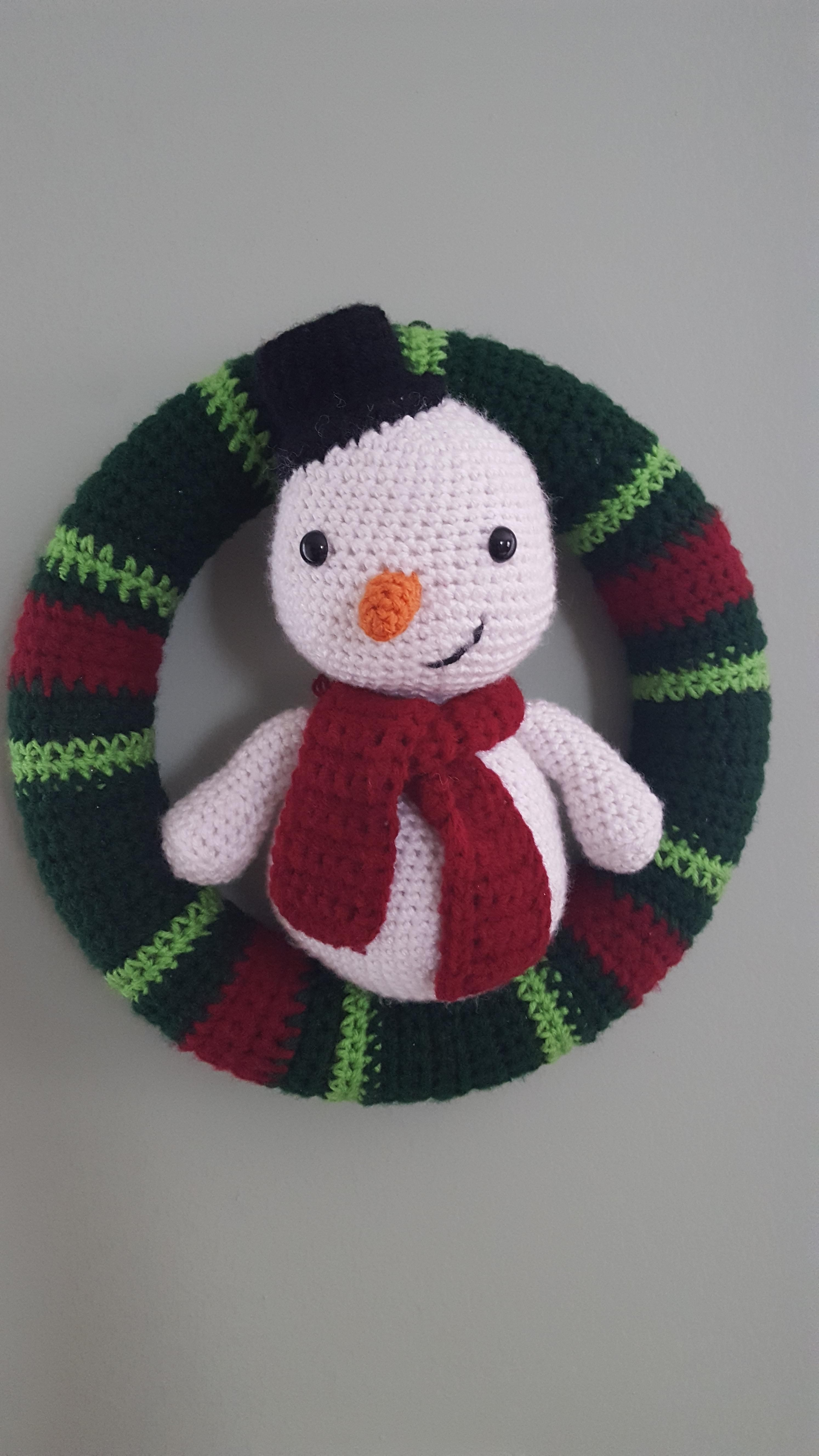 Made This For My Snowman Loving Mom And I M Super Happy With How It Turned Out Crochet Christmas Wreath Crochet Wreath Crochet Wreath Pattern