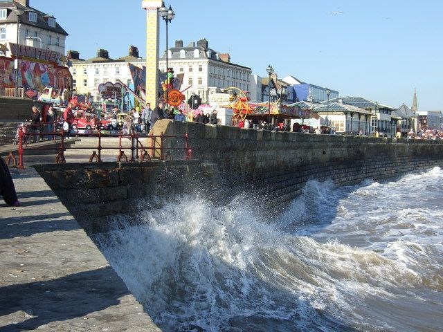 Sea wall, Bridlington