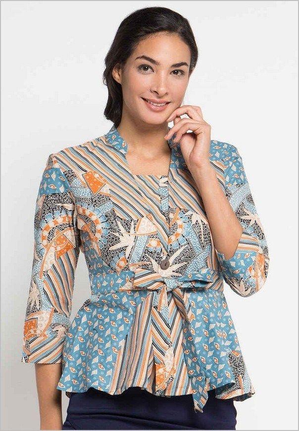 Modern Yang Elegan Dan Pin By Fitri Riezan On Model Baju Batik Kebaya Terbaru Duabatik Com Dengan Gambar Baju Atasan Wanita Pakaian Wanita Wanita