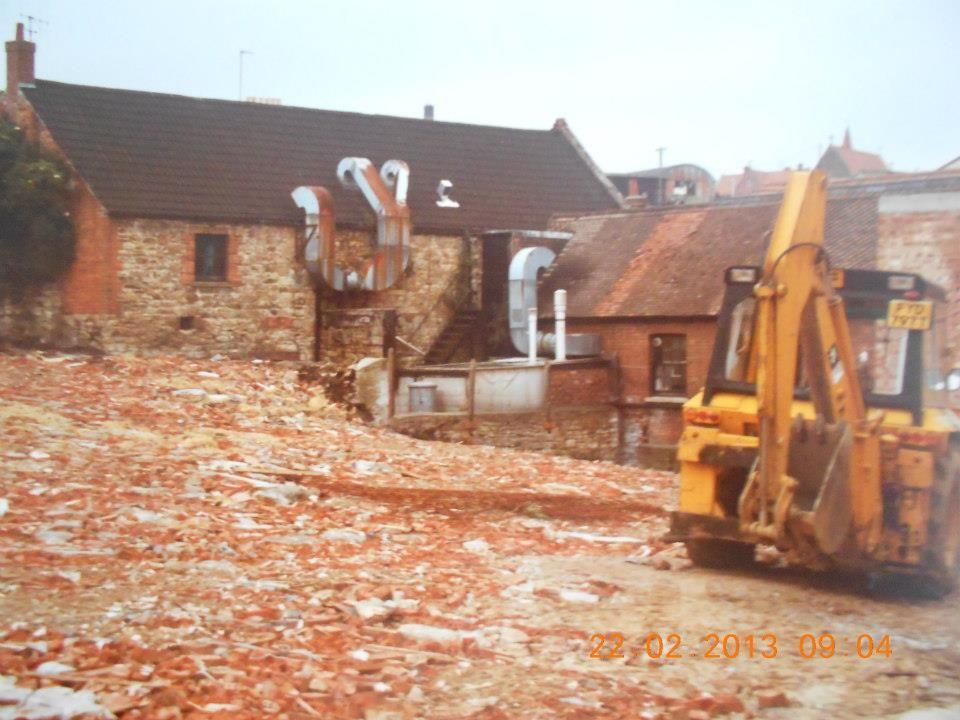 Demolition of Vicarage Street, Vincent Street 1983.