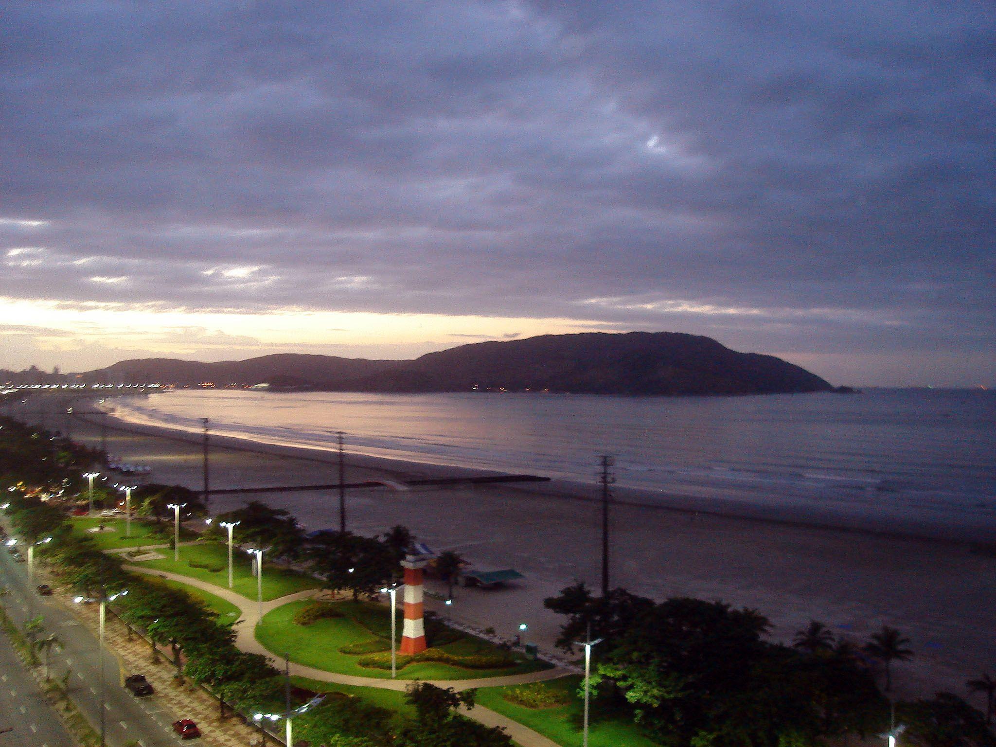 Praia à noite - Santos