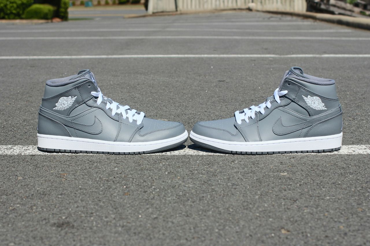 Air Jordan 1 Retro Mid - Cool Grey/White