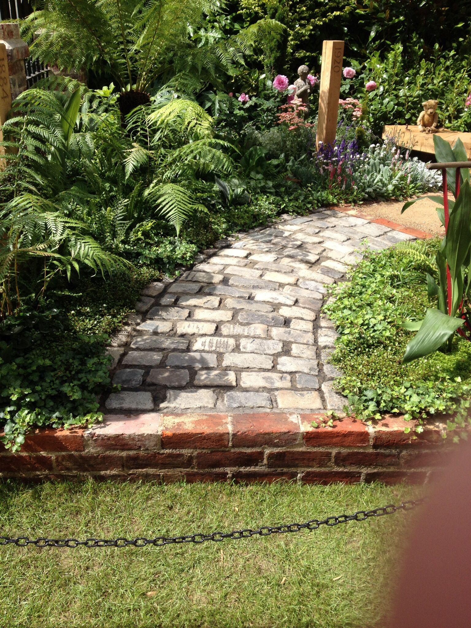 hampton court palace flower show 14 walkway design on extraordinary garden path and walkway design ideas and remodel two main keys id=87142