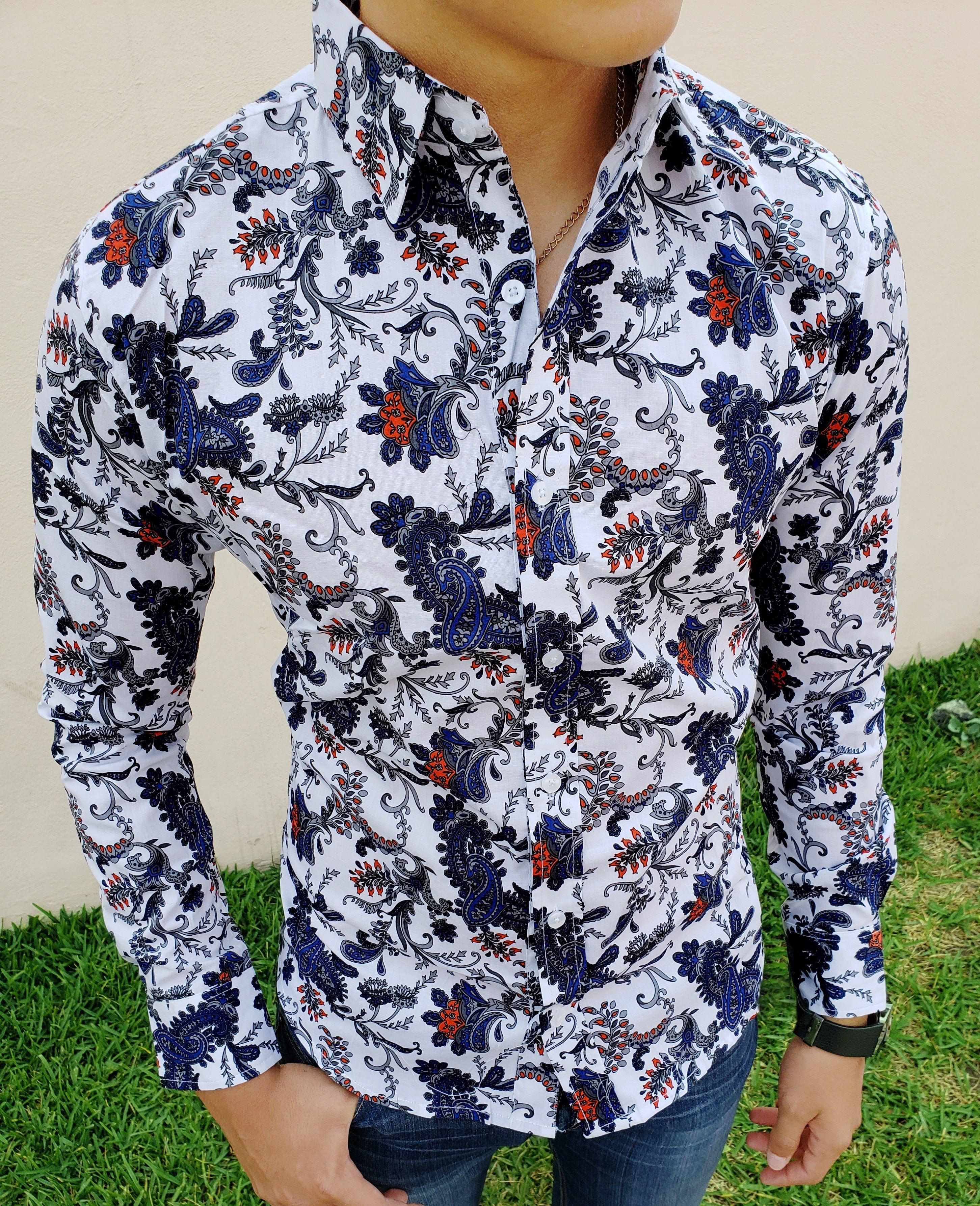 2fd7388ad57d3 Camisa blanca slim fit de hojas y flores azules para hombre en manga larga