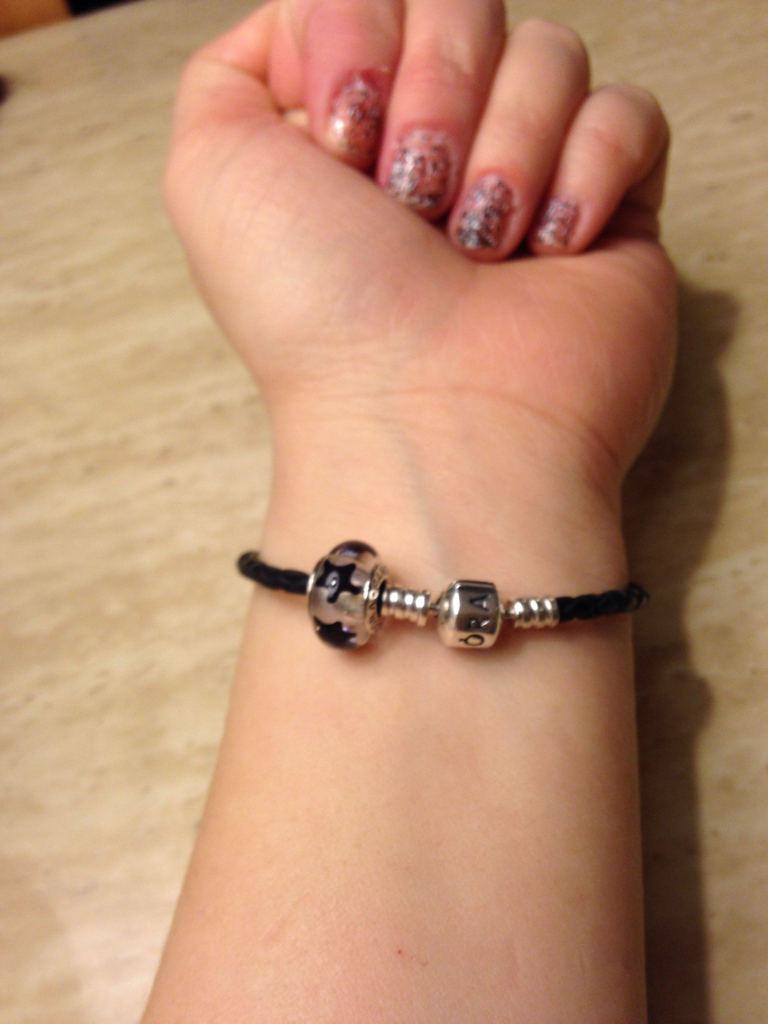 Pandora black leather bracelet with black stars Murano glass bead charm