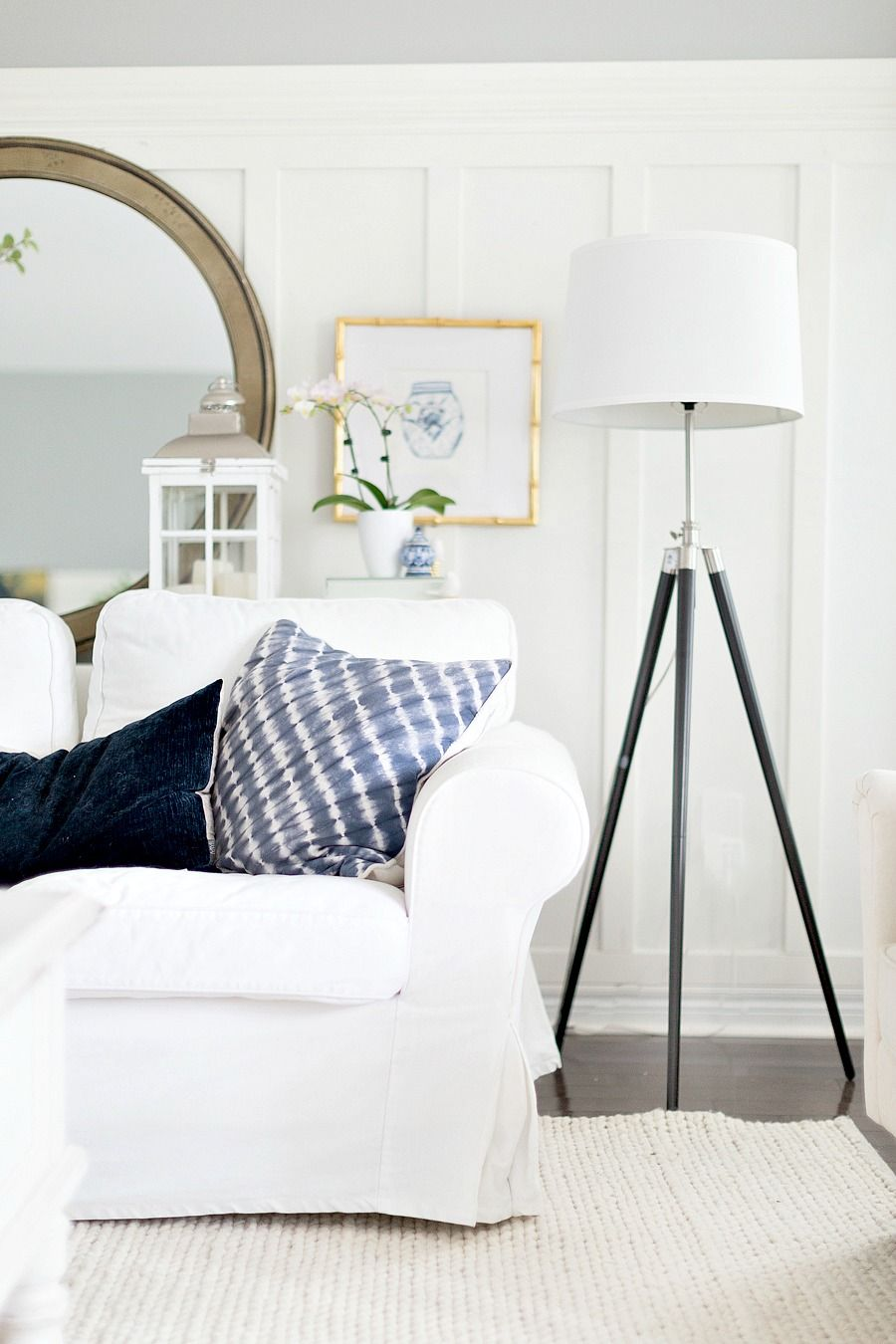 Hello Friends I Hope You Ve Had A Great Week So Far Yesterday Was The First Day Of Summer And Wha Living Room Design Blue Beige Living Rooms Blue Living Room