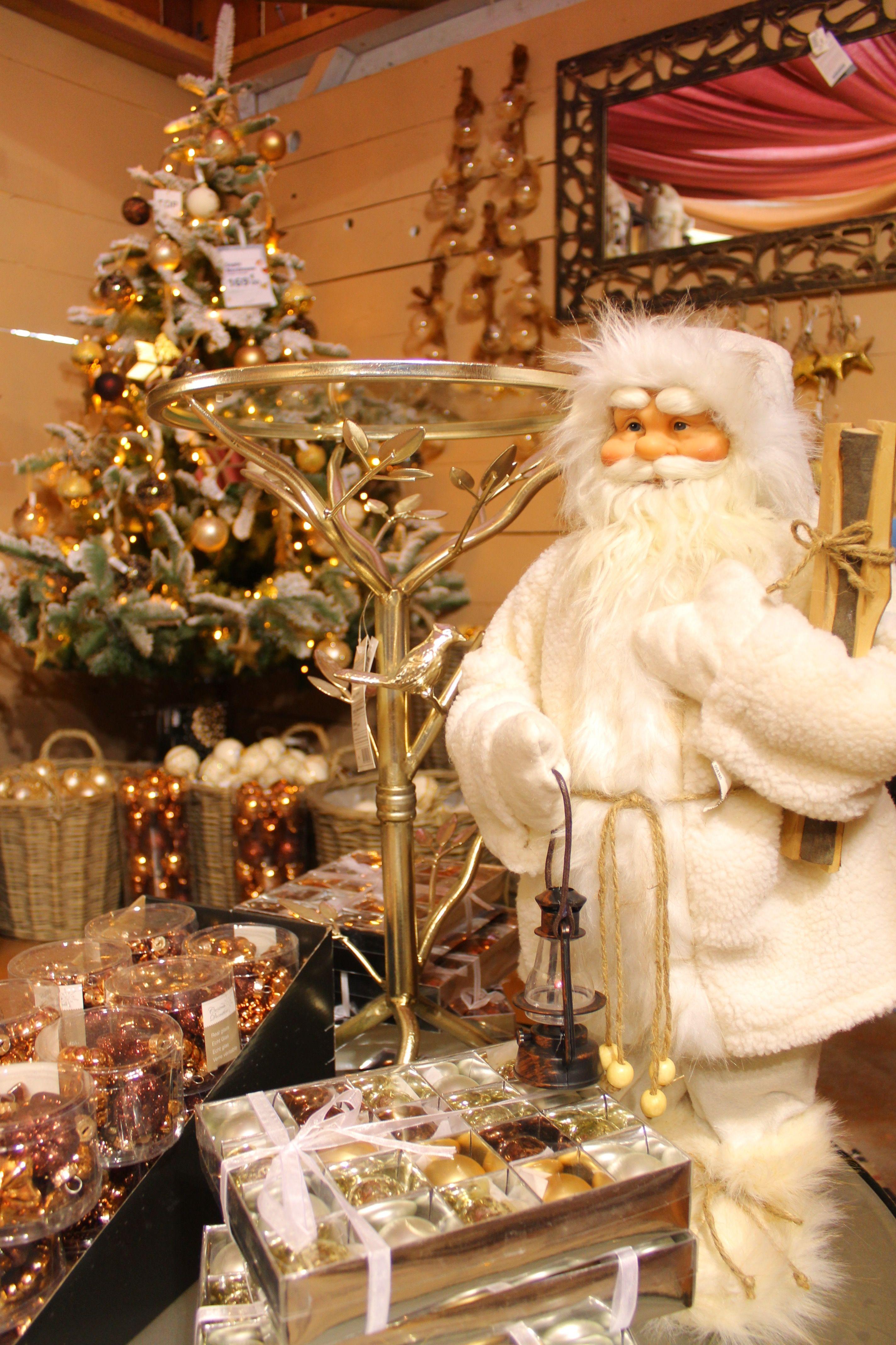Noël thème nature Père noel blanc et décoration avec des