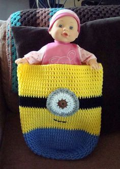 ~ Dly's Hooks and Yarns ~: ~ Minion baby cocoon ~