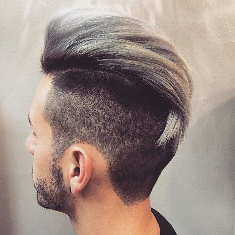 Loving this men's cut and color by @myhairfixation. #modernsalon #menstyle #silverhair