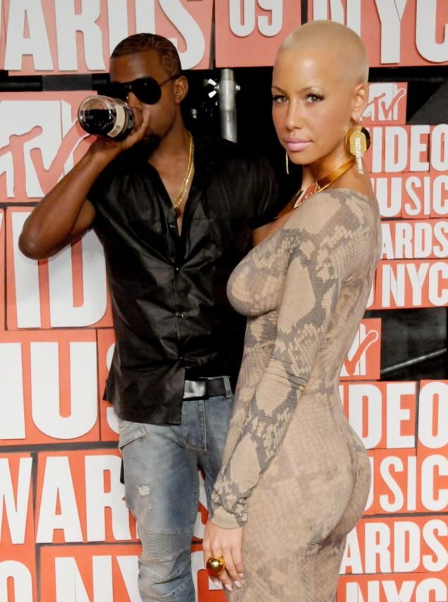 Kanye West Issues Rebuttal To Amber Rose S A Tweet After Wiz Khalifa Feud I M Not Into That Kind Of S Kanye And Amber Rose Amber Rose Kanye West