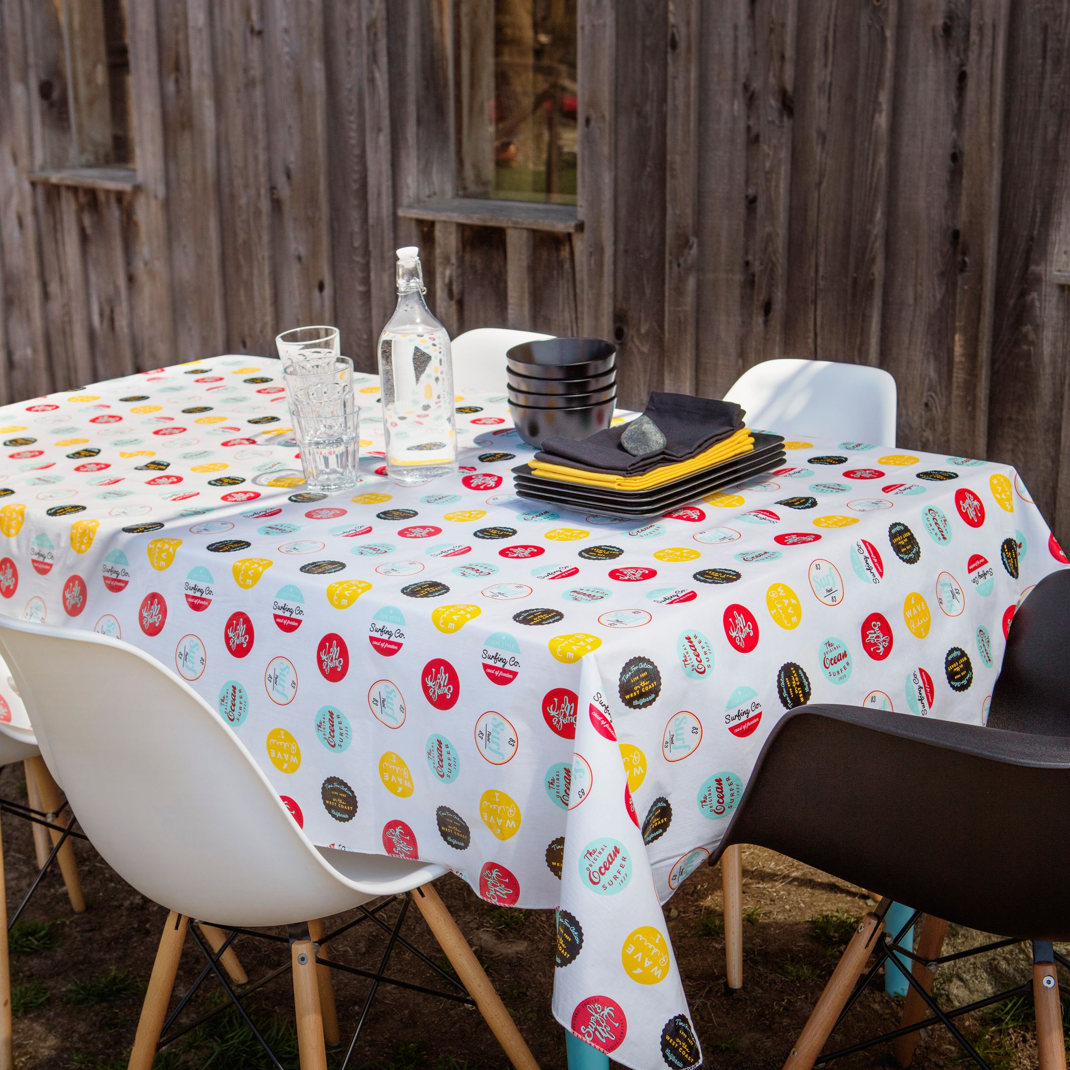 Vintage Surfing Badge Vinyl Tablecloth | Simons #simonsmaison #countryclub  #trend #tablecloth #