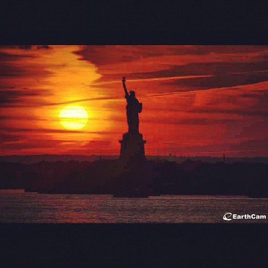 statue of liberty at sunrise new york places to statue of liberty at sunrise new york