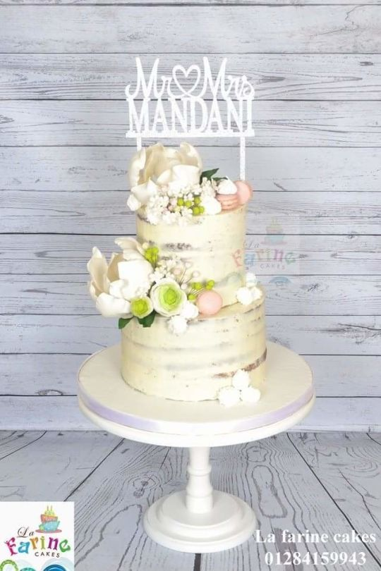 Cake With Large Magnolia Gumpaste Flower