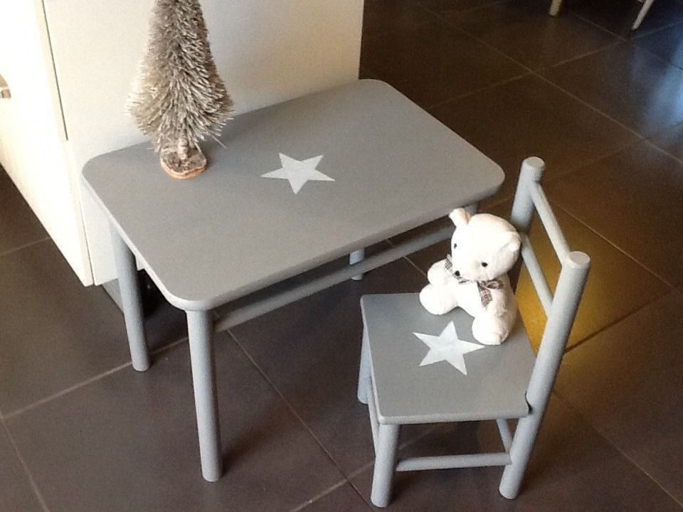 Ensemble Table Bureau Et Chaise Vintage Ancien Pour Enfant En Bois Massif Patine Gris Gustavien Cha Table Et Chaise Enfant Table Et Chaise Bebe Table Enfant