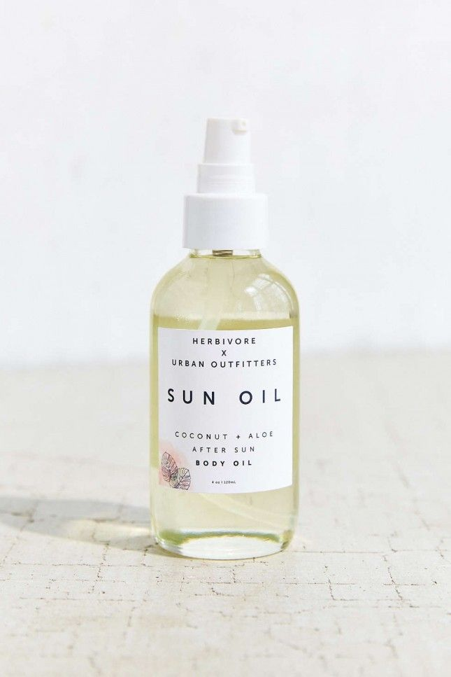 Herbivore Botanicals x UO Coconut Aloe After Sun Body Oil